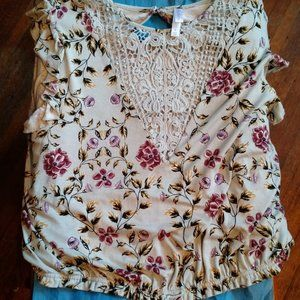 Xhilaration Summer Floral Crop Top
